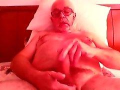 Old man jerkin and cumin on cam