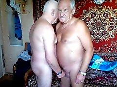 Kaksi Grandpas wanking