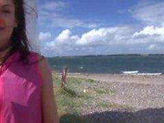 Eroberlin Lucy Lee tjeckiska kåta porrstjärnan utomhus Danmark rolig leksaker masturbation fickt fotze dildo
