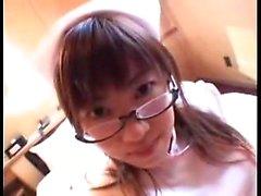 Gözlüklü kışkırtıcı Japon hemşire bir saat berbat ve sikiyor