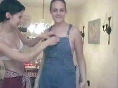 Os amadores lesbiana com os alguma torta da fresco