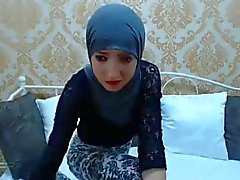 Sexy Paki Slut On Cam!