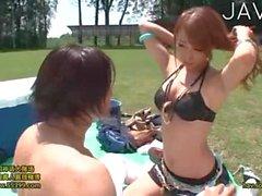 Caldo giapponese Bambina viene scopata Outdoor