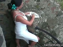 Kinky Carmen gets outdoor to pick