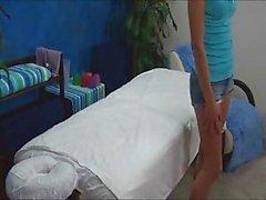 Caméra cachée attrape de 18 ans baisée sur les le Tableau de massage