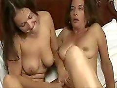 Volwassen en jonge lesbische II