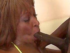 Dark black woman gets pussy licked