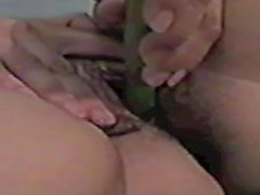 Preciosa latina mexicana traviesa, veggie pussy insertion.