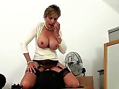 Unfaithful uk mature lady sonia exposes her huge boobs
