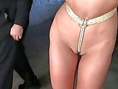 Rotujen bondage seksiä