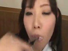 Insaziabile giapponese studentessa ottiene il la bocca piena di F Giorno