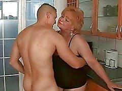 Iğrenç Büyükanneler Hard Fuck Compilation