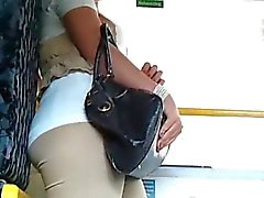 Geiles dame laesst sich im Bus filmen