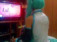 CÙte Hatsune Miku för Cosplay skriker som ett hora