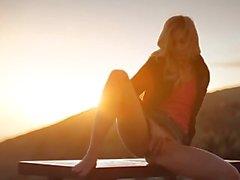 Puesta del sol en de Malibú en el arte la película Desvistiendose