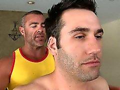 Suckings sauvages pour des types homosexuel