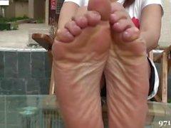 Sexy Asian Pé & Leg Tease