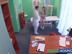 FakeHospital Läkare genomför könsmässiga akrobatik med Ryssland bruden