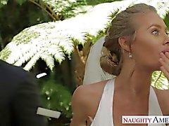 Seksikäs vaaleat morsiamensa Nicole Anistonin vittu