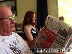 Italian webcam Minnie Manga eats breakfast with John and Da