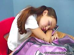 InnocentHigh Teacher skinny Asya gençlere sıkı bir kedi büyük patlama