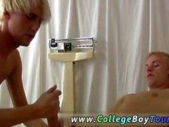 Miehillä alusvaatteet siittiöitä tahraa kuvien homo ensimmäinen kerta Hänellä nousi ylös sillä hän