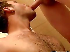 Gay 3gp video grassottello Welsey fa un grande orinale