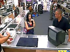 Sexy Latin Chick Trying to Hustle a pawn keeper