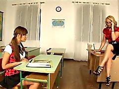 Slutty koulun tytöt