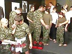 Exército treinamento bisex