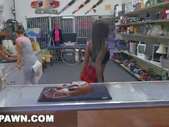 XXXPAWN - Pawn Broker Sean Lawless Goes Lexxi Deep In That Chocolate Ass
