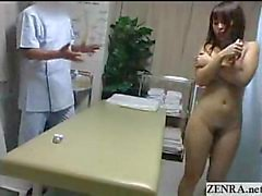 Matures Japanese Nudist doigter Extasy sur lit de massage