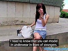 PublicAgent Adela fodendo um grande galo para começar carreira como modelo