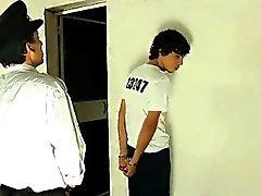 Olgun polis memurunun bir bir cock Twink aygır
