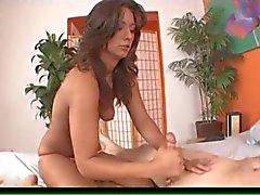 nice booty latina speelt met lul