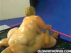 Fat Mature Enjoys Messy Sex