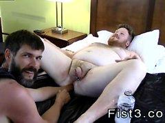 Nyrkein helvetin male gay tumblr ilmatilan teoksia Brockin Hole ja hänen