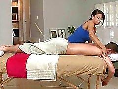 Getting sedere compilato al massaggio della