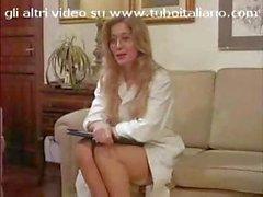 Italian babe Angelica Bella and Jessica Rizzo share a cock