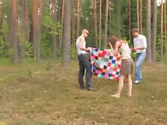 Русский секс в лесу в лесу, огромный красный член