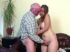 Großvater fickt Tochter